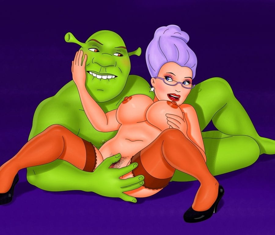 Shrek Lusting After Fairy Godmother's Mature Pussy